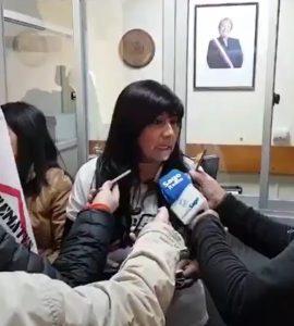 Ex candidata presidencial, Roxana Miranda, en la toma de la Intendencia en Puerto Montt, el 15 de septiembre.
